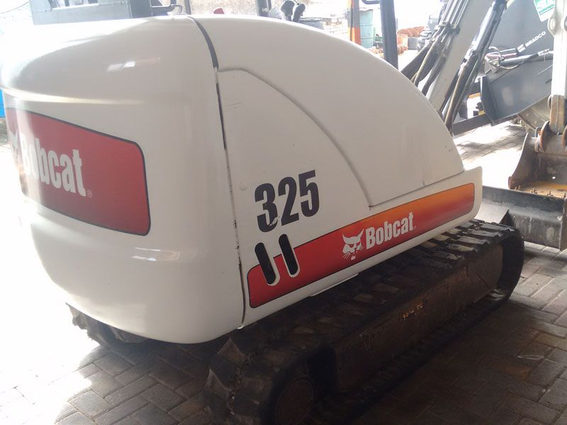 Mini Escavadeira BOB CAT 325 - 17H105