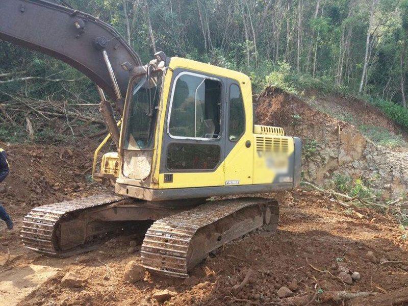EscavadeiraVOLVOEC140 - 17H125