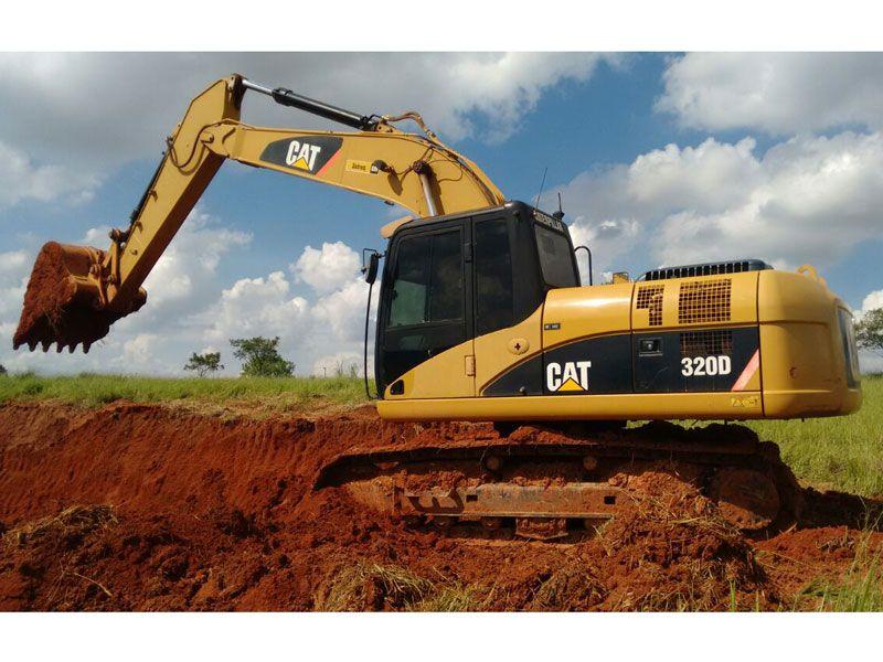 EscavadeiraCATERPILLAR320D - 17H202