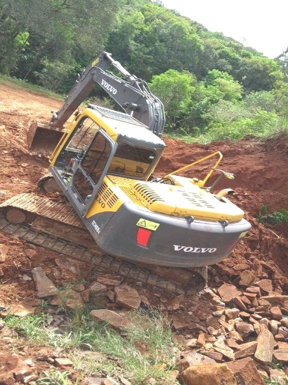 EscavadeiraVOLVOEC140 - 17K118