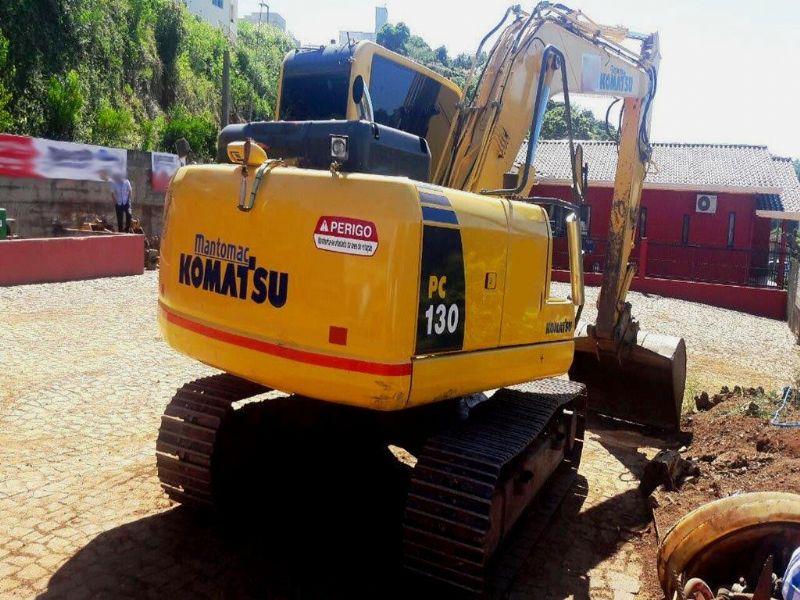 EscavadeiraKOMATSUPC130 - 17L320