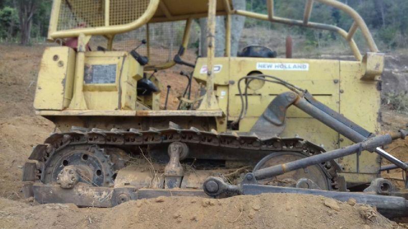 Trator EsteiraNEW HOLLAND7D - 17L505