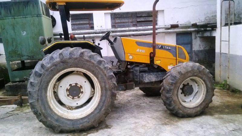 Trator PneuVALTRAA950 - 17L513