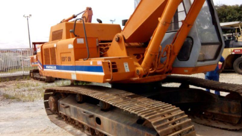 EscavadeiraFIATFH200 - 18A103