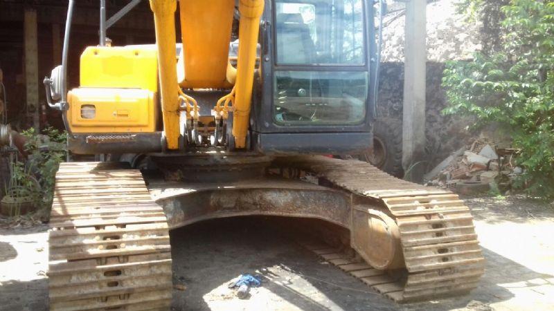 EscavadeiraHYUNDAIR210 - 18A208