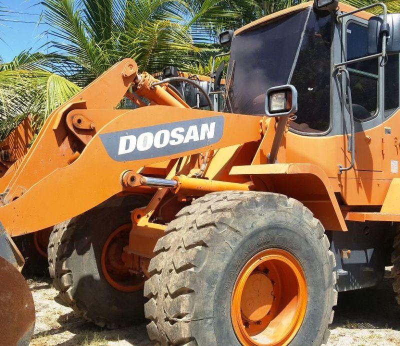 Carregadeira PneuDOOSANDL200 - 18A415
