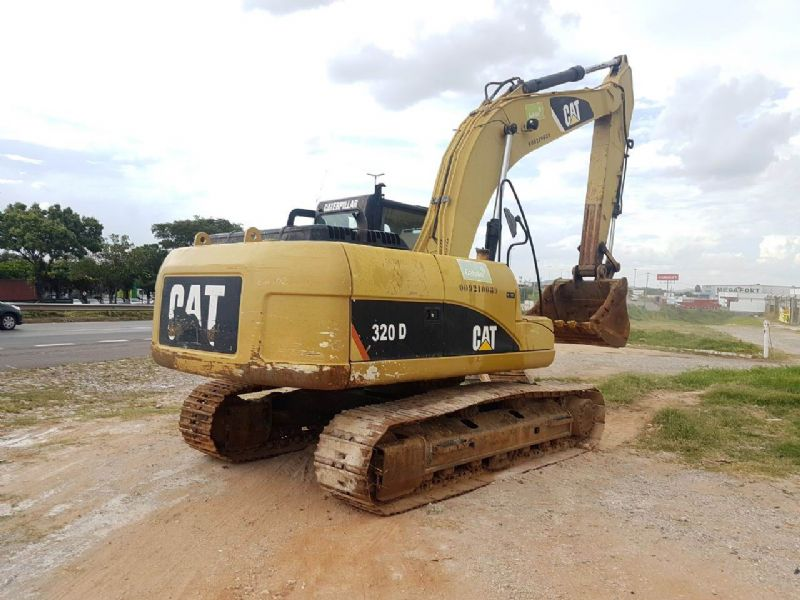EscavadeiraCATERPILLAR320D - 18A432