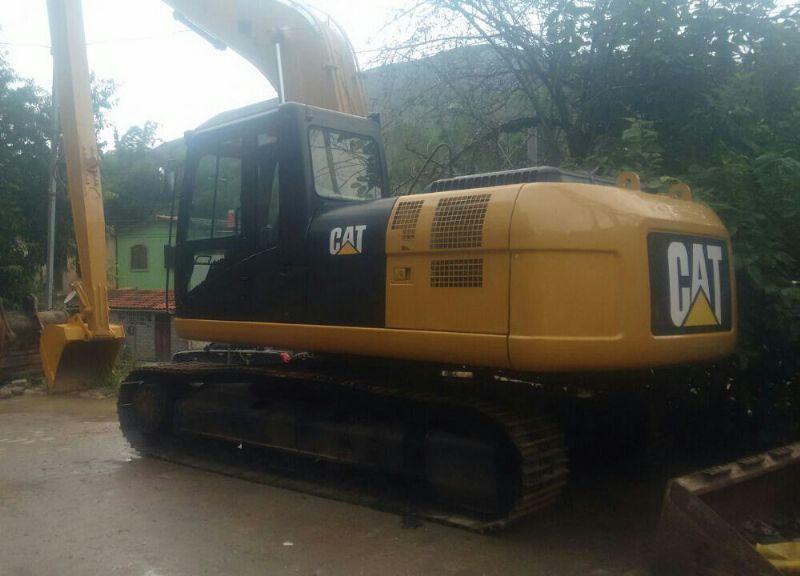EscavadeiraCATERPILLAR320D - 18B306