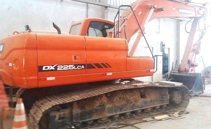 EscavadeiraDOOSANDX225 - 18B420