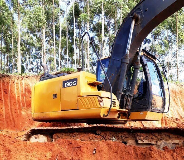 EscavadeiraJOHN DEERE130G - 18C112