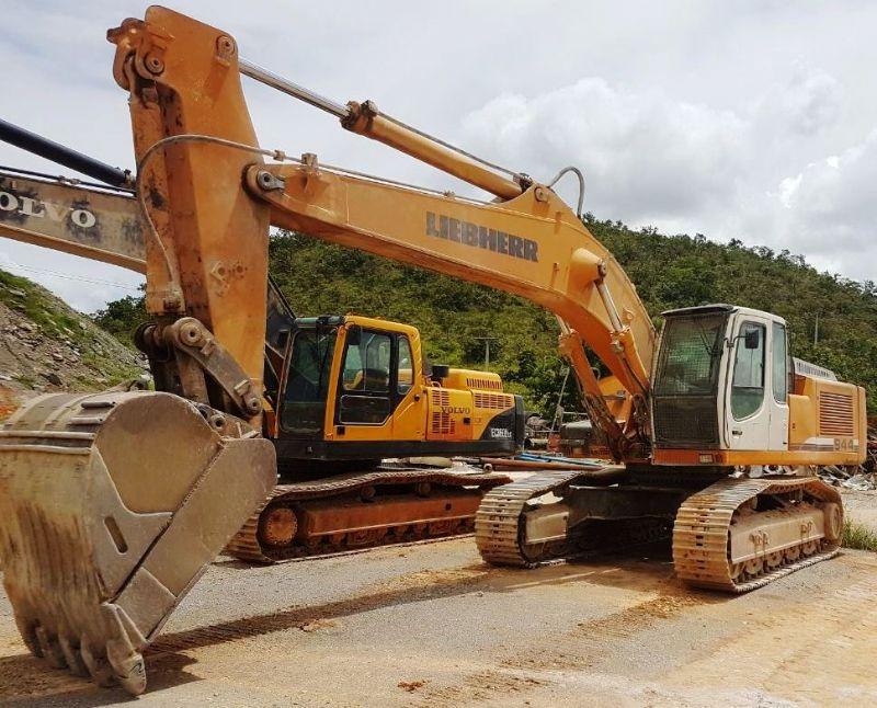 EscavadeiraLIEBHERR944C - 18C223