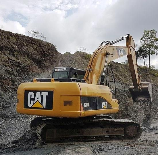 EscavadeiraCATERPILLAR320D - 18C311