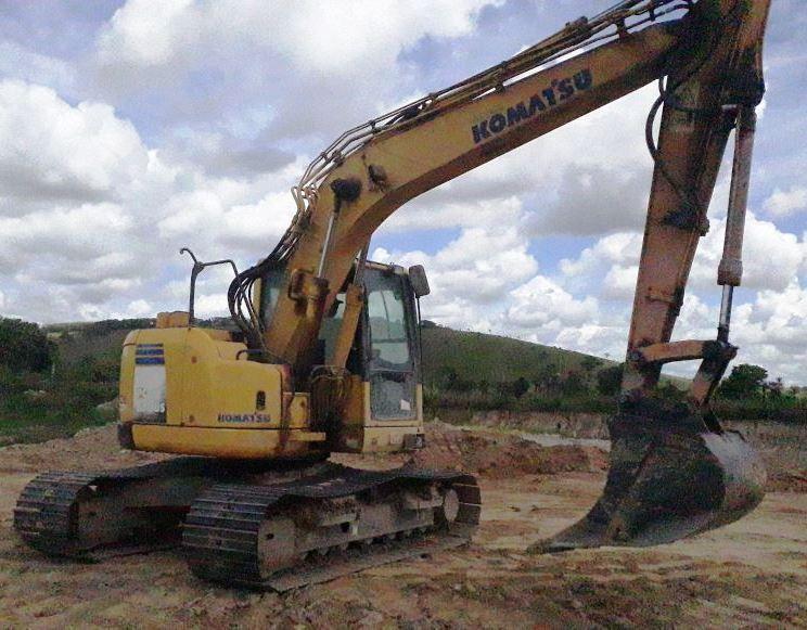 EscavadeiraKOMATSUPC138 - 18D210