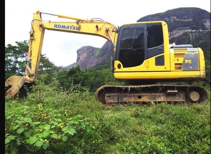 EscavadeiraKOMATSUPC130 - 18D315