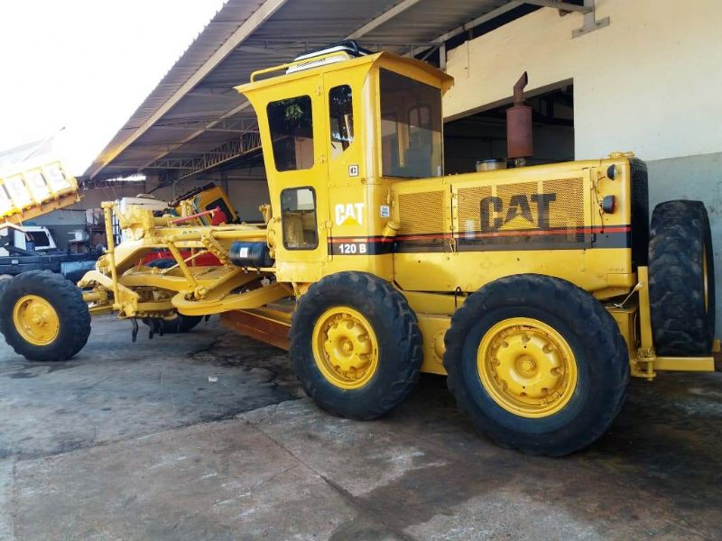 Motoniveladora CATERPILLAR 120B - 18E412