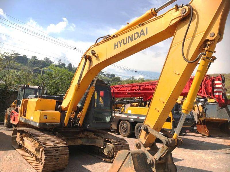 EscavadeiraHYUNDAIR210 - 18E417