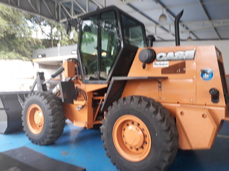 Carregadeira PneuCASEW20E - 18F304