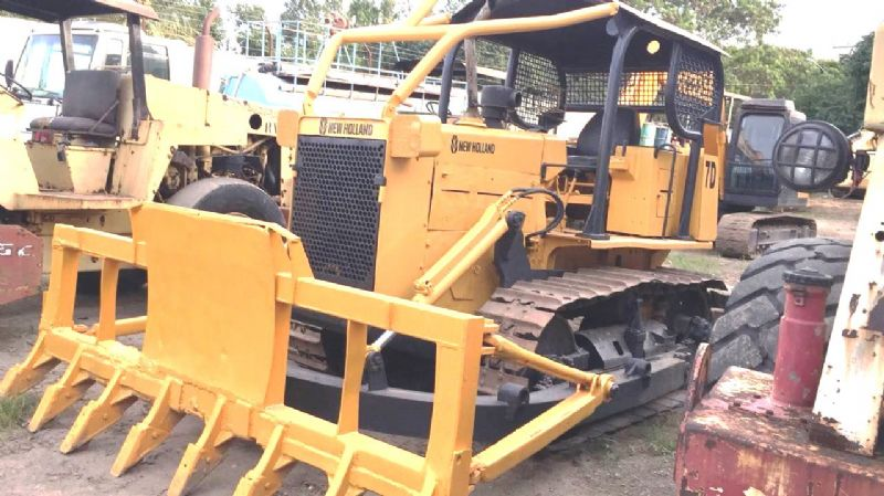 Trator Esteira NEW HOLLAND 7D - 18I212