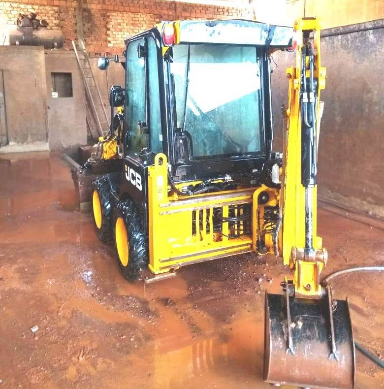 Mini Retro Escavadeira JCB 1CX - 18I505