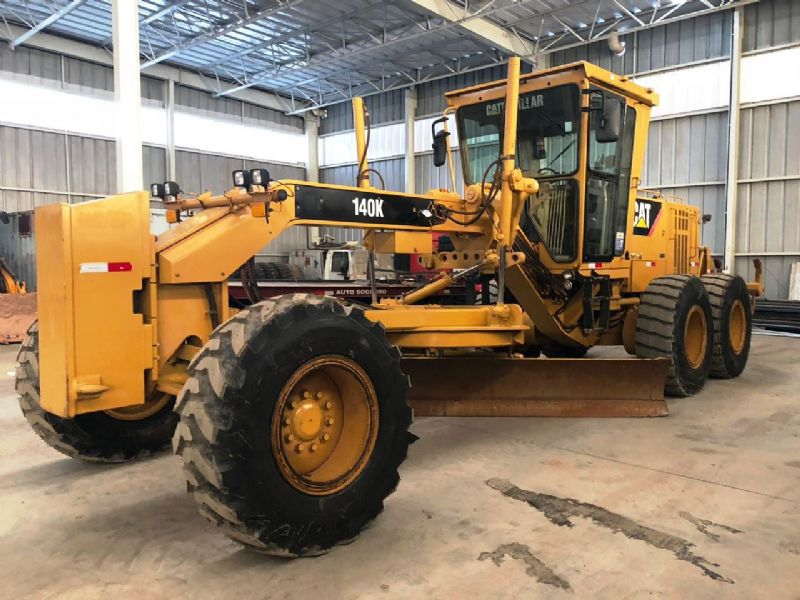 Motoniveladora CATERPILLAR 140K - 18J102