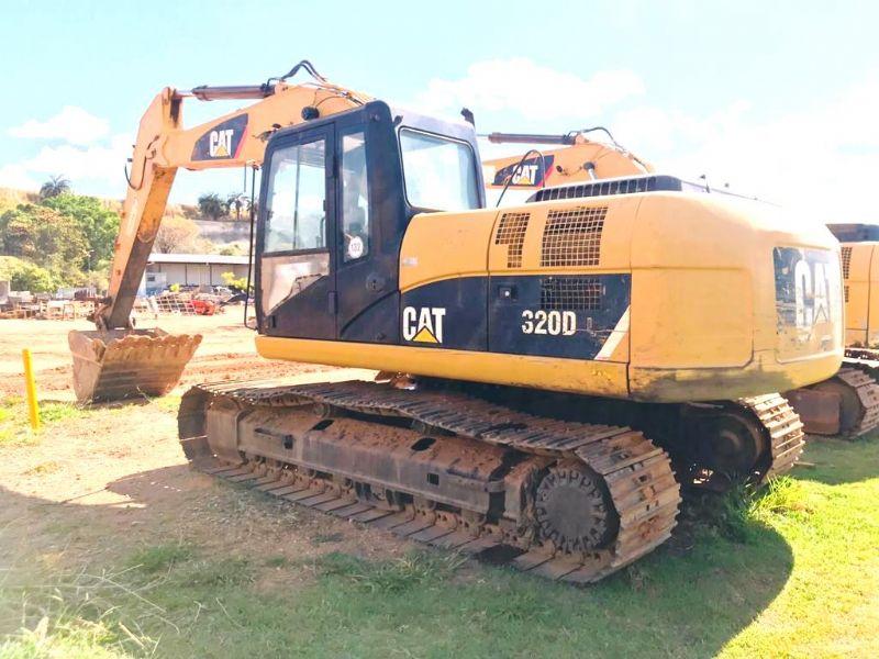 EscavadeiraCATERPILLAR320D - 18K103