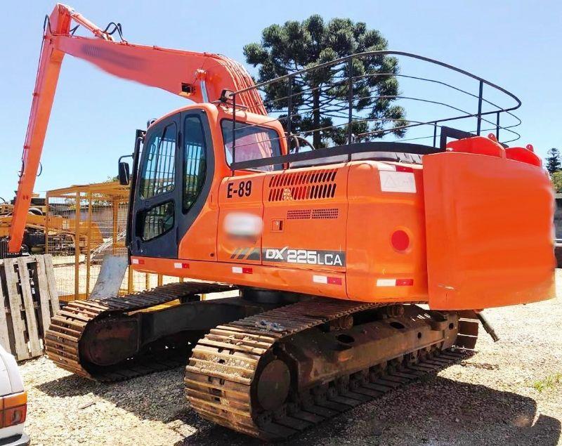 EscavadeiraDOOSANDX225 - 18K119