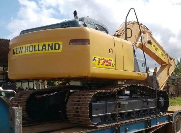 EscavadeiraNEW HOLLANDE175 - 18K509