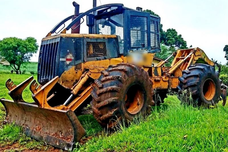 Skidder CATERPILLAR 525C - 19A205