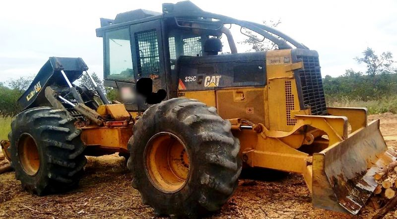 Skidder CATERPILLAR 525C - 19A208