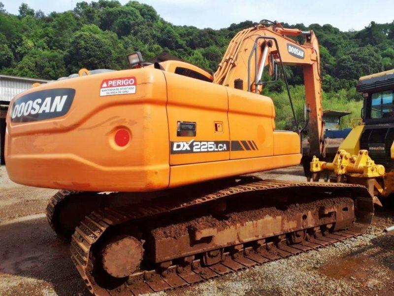 EscavadeiraDOOSANDX225 - 19A408