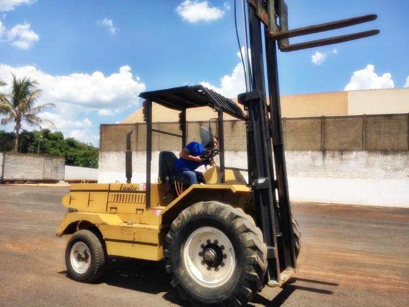 EmpilhadeiraVANTEC2,5 ton - 19B111