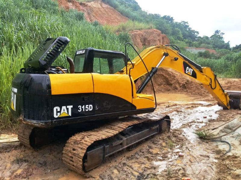 EscavadeiraCATERPILLAR315D - 19C103