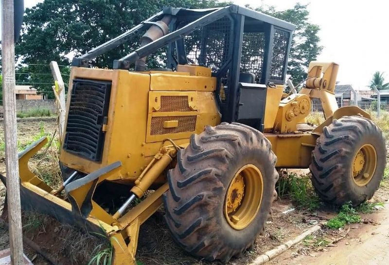 Skidder CATERPILLAR 518 - 19D504