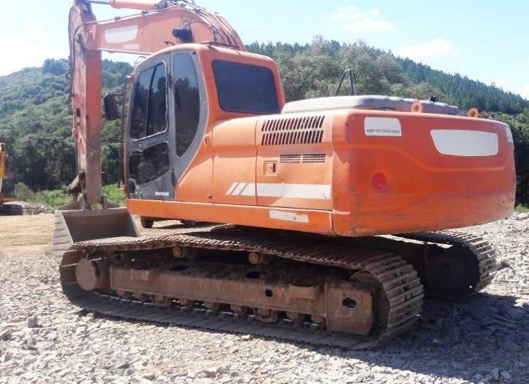 EscavadeiraDOOSANDX225 - 19E206