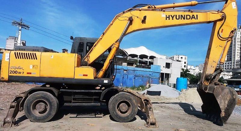 EscavadeiraHYUNDAI200W - 19E308