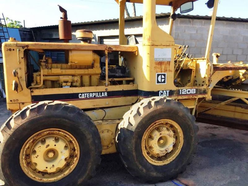 Motoniveladora CATERPILLAR 120B - 19E409