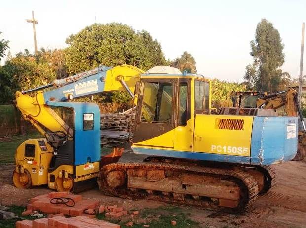 EscavadeiraKOMATSUPC150 - 19H209