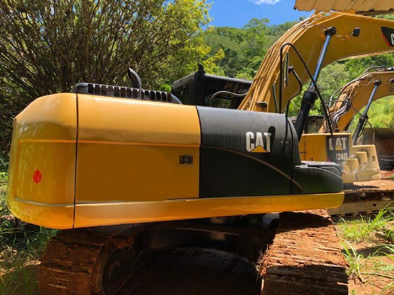 EscavadeiraCATERPILLAR320D - 19H210