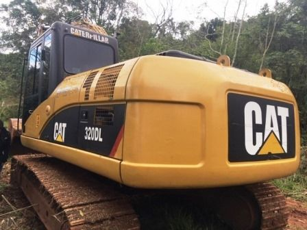 Escavadeira CATERPILLAR 320D - 19H315