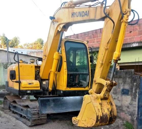 Mini EscavadeiraHYUNDAIR80 - 19I404