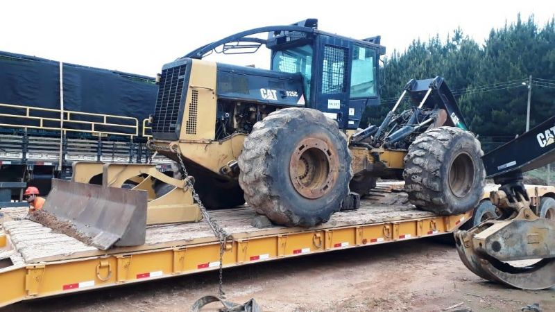 Skidder CATERPILLAR 525C - 19L207