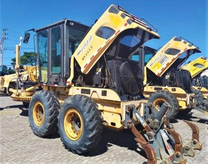 Motoniveladora NEW HOLLAND RG170 - 20A219