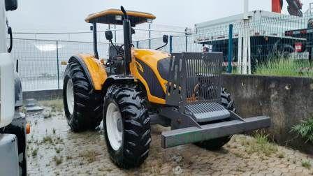 Trator PneuVALTRAA114 - 20A411