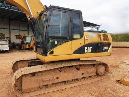 EscavadeiraCATERPILLAR320D - 20B418