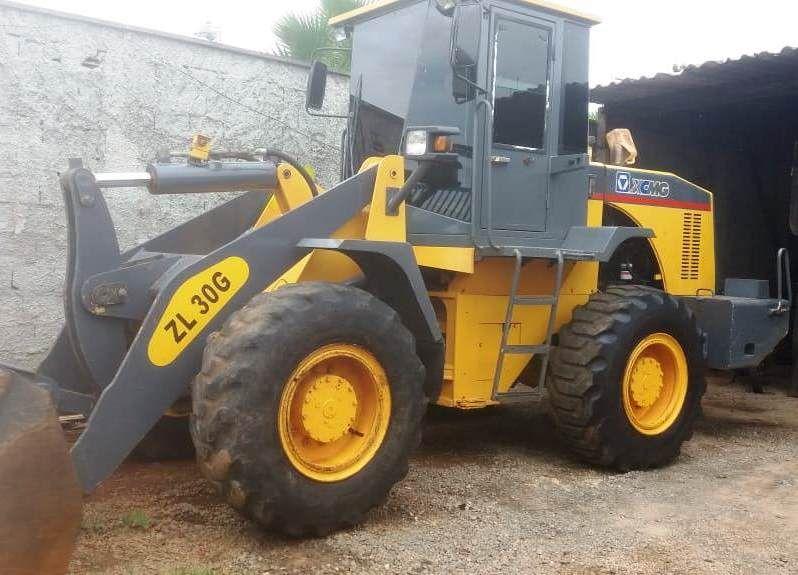 Carregadeira PneuXCMGZL30G - 20C215