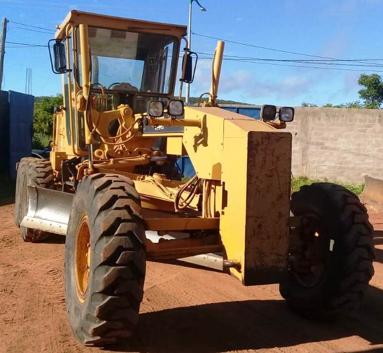 Motoniveladora CATERPILLAR 120H - 20J421