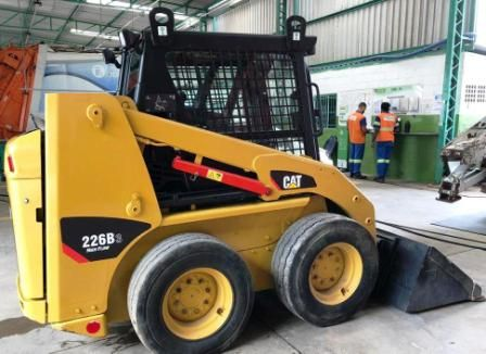 Mini Carregadeira CATERPILLAR 226B - 21A412