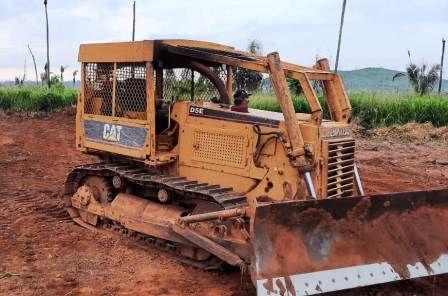 Trator EsteiraCATERPILLARD5E - 21B408