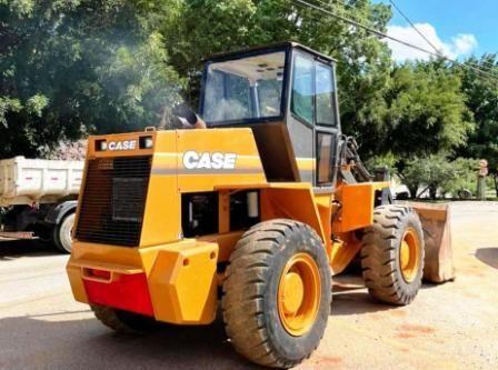 Carregadeira PneuCASEW20E - 21C241