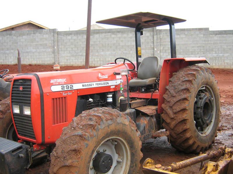 Trator EsteiraMF292 - 100215